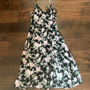 Lulus floral dress never worn